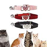 TRIWORIAE-Collar para Gato con Campana de Terciopelo Suave y Seguro, Ajustable, con corazón de Cristal Diamante de imitación, de 20 a 28 cm Rojo+Rosa+Negro