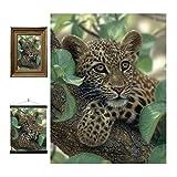 3D LiveLife Lenticular Cuadros Decoración - Abraza árboles de Deluxebase. Poster 3D sin marco de leopardo. Obra de arte original con licencia del reconocido artista, Collin Bogle
