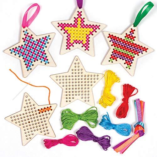 Baker Ross AT226 Stern Kreuzstich Bastelset aus Holz - 5er Pack, Basteln für Kinder, Nähen & Kreuzstich für Kinderan Weihnachten, Basteldeko zum Auffhängen