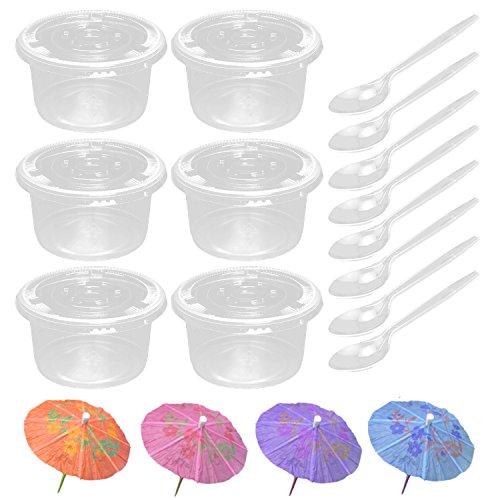 Juego de 50 mini tazas de postre de plástico transparente de 250 ml con tapas y cucharas + 50 unidades de paraguas desechables de colores aleatorios mezclados de bambú