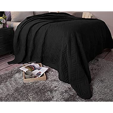Bedford Home 66A-04172 Solid Color Bed Quilt - Full/Queen - Black