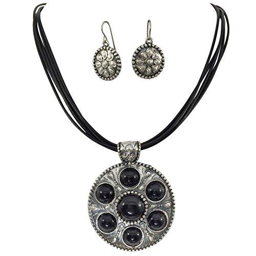 Gypsy Jewels - Juego de Collar y Pendientes de Piel con 5 Colgantes Redondos de Lunares Negros en Tono Plateado
