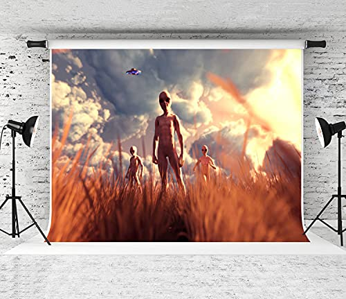NANITHG Photography Background an Aliens in Grass Field Party Decoration Banner Photo Booth Backdrop for Studio Props 7x5FT