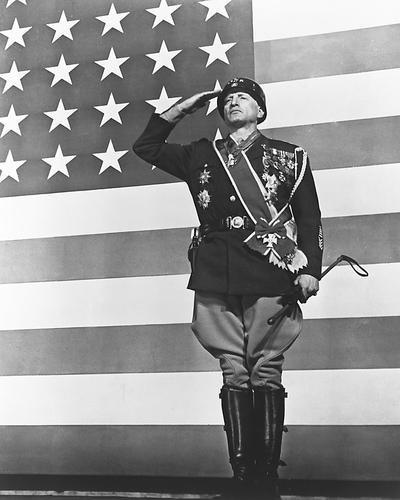Moviestore George C. Scott als Gen. George S. Patton Jr. in Patton 25x20cm Schwarzweiß-Foto