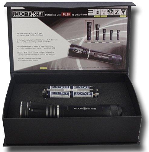 LEUCHTWERT LED Taschenlampe PL25, 10 W, 700 lm, Zoomlinse, inklusive Batterien, Geschenkbox 10025