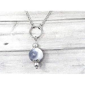 Chokerhalskette für Frauen aus Edelstahl mit Ringen und schwarz-weiß getönten Jadeperlen
