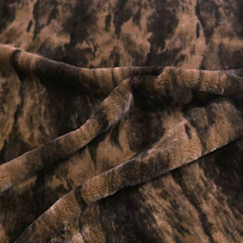 TOLKO 50cm Kunstfell | weicher Baumwollstoff mit 4mm Florhöhe | Kurzhaar Webpelz zum Nähen Dekorieren Basteln | 140cm breit Teddy Plüschstoff Pelzimitat Kunstfellstoff Meterware (Wildkatze Braun)