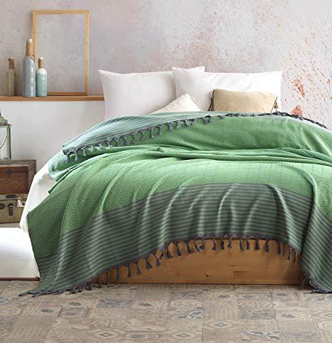 Belle Living Atil Tagesdecke Überwurf Decke - Wohndecke hochwertig - perfekt für Bett & Sofa, 100prozent Baumwolle - handgefertigte Fransen, 200x250cm (Grün)