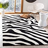 Safavieh Soho Collection SOH717A Handmade Premium Wool Area Rug, 7'6' x 9'6', White / Black