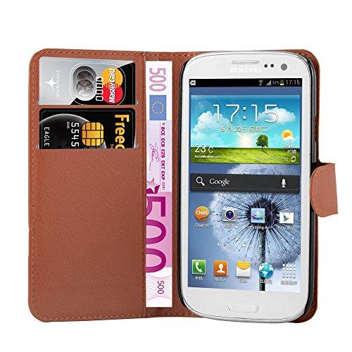Cadorabo Custodia Libro per Samsung Galaxy S3 Mini in Marrone Pastello - con Vani di Carte, Funzione Stand e Chiusura Magnetica - Portafoglio Cover Case Wallet Book Etui Protezione