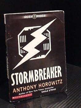 Paperback Stormbreaker (Alex Rider) Book