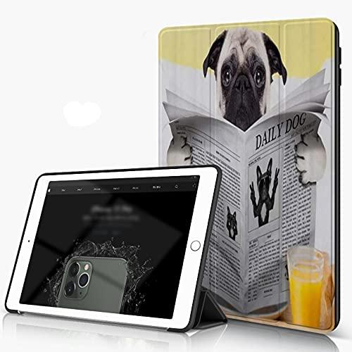 Custodia Protettiva Compatibile con iPad 9.7 Pollici 6,5 Generazione, Pug Puppy Reading The Newspaper Toilet Pug Joke Print, con Funzione Auto Wake Sleep