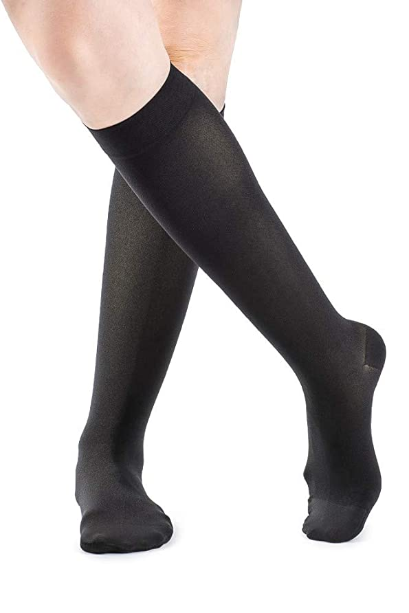 ドアチャット皿Soft Opaque 20-30 mmHg Closed Toe Knee High Sock Size: Medium Short (MS), Color: Black 99 by Sigvaris