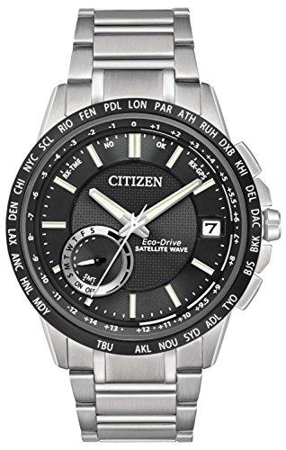Citizen Satellite Tiempo de Wave-World GPS Reloj de Hombre de Cuarzo con Negro Esfera analógica Pantalla y Plata Pulsera de Acero Inoxidable CC3005–85E