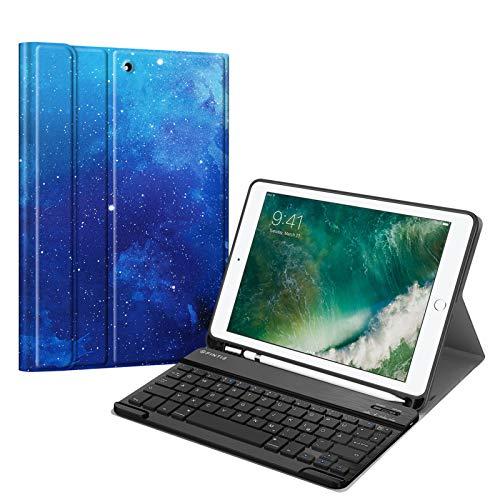Fintie Tastatur Hülle für iPad 9.7 2018 (6. Generation), Soft TPU Rückseite Gehäuse Keyboard Case mit eingebautem Pencil Halter, magnetisch Abnehmbarer QWERTZ Bluetooth Tastatur, Sternenhimmel