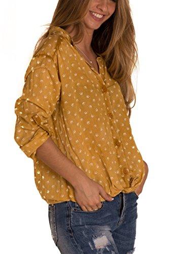 CHIC&CASUAL - Camisa Estampada Coronas Color Mostaza