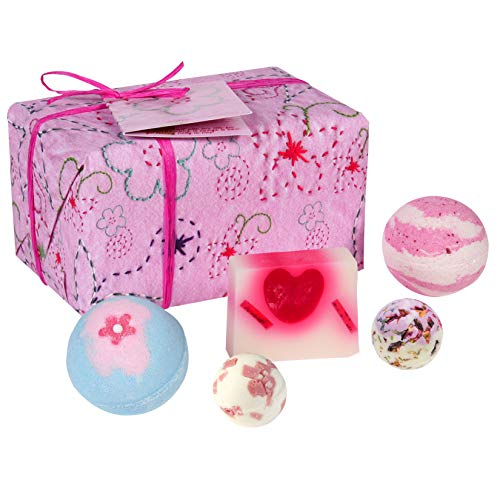 Bomb Cosmetics Pretty in Pink Handmade Wrapped Bath and Body Gift Pack, Contains 5-Pieces, 480 g [Contents May Vary]