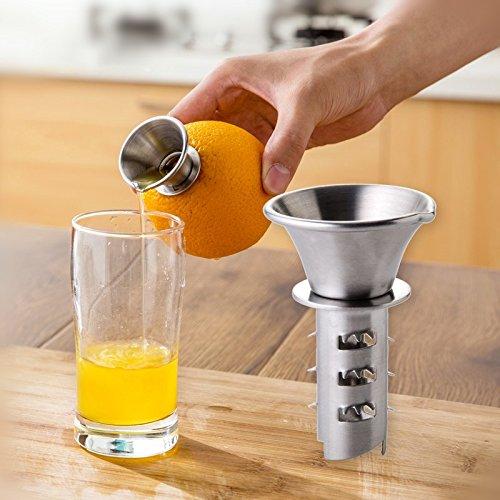 Mocca-Factory Mini-Entsafter Handentsafter Saftausgießer für Zitronen Orangen und viele weitere Citrusfrüchte.Zitruspresse aus Edelstahl rostfrei.