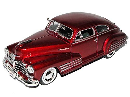 Motormax Chevrolet Chevy Aerosedan Fleetline Coupe Rot 1948 Oldtimer 1/24 Modell Auto