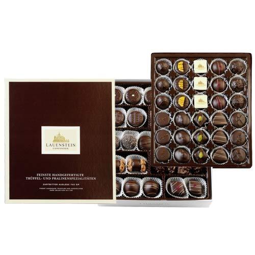 Lauensteiner Zartbitter-Auslese 700g in Geschenk-Box mit Alkohol | Die dunkle Verführung in 19 feinen Variationen. Das besondere Schokoladengeschenk!