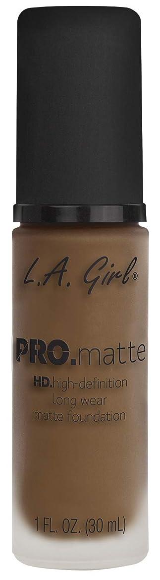 表面土曜日許さないL.A. GIRL Pro Matte Foundation - Deep Tan (並行輸入品)