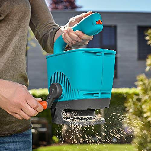 GARDENA hand spreader M: spreader for simple spreading fertilizer, seeds and salt with a range 1-4 m, m² for lawn to about 100, 4-stage quantity setting (431-20)