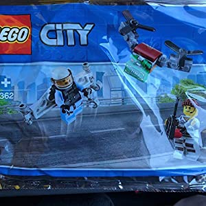 © 2019 The LEGO Group / Amazon.co.jp - レゴ シティ 空飛ぶポリスミニセット 30362