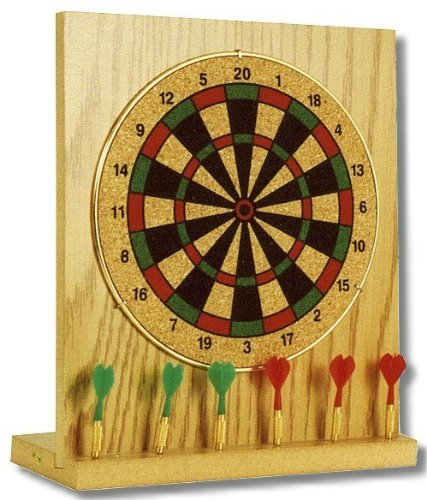 Mini Dartboard Ideal für den Schreibtisch oder zuhause. Originalgetreu verkleinertes Board auf Holzsockel mit Pfeilhalter, inkl. 6 Mini-Darts Maße ca. 20 x 18 cm.