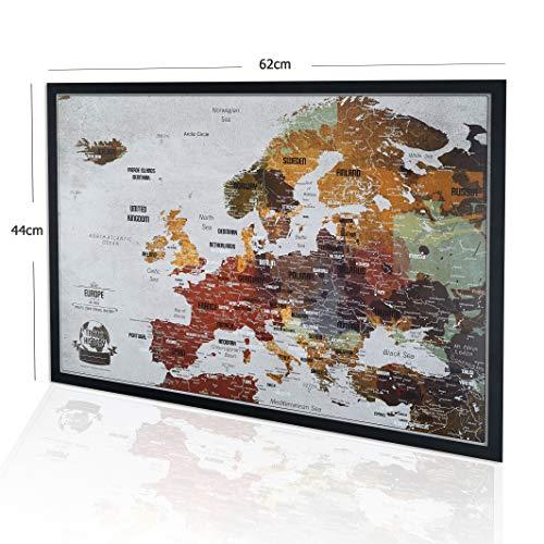 2Maps Europakarte Pinnwand mit Stecknadeln Bonus 100 Pins, Abenteuer Karte mit Rahmen, Personalisierte Karten mit Originalfarben, Hergestellt in der EU, 44x62 cm, Natürlicher Holzrahmen