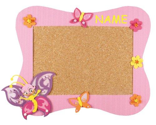 alles-meine.de GmbH Bastelset Pinnwand Kork incl. Name - Schmetterling - Korkplatte mit 6 Pins - Wandtafel Pinboard für Kinder Mädchen Blumen Schmetterlinge