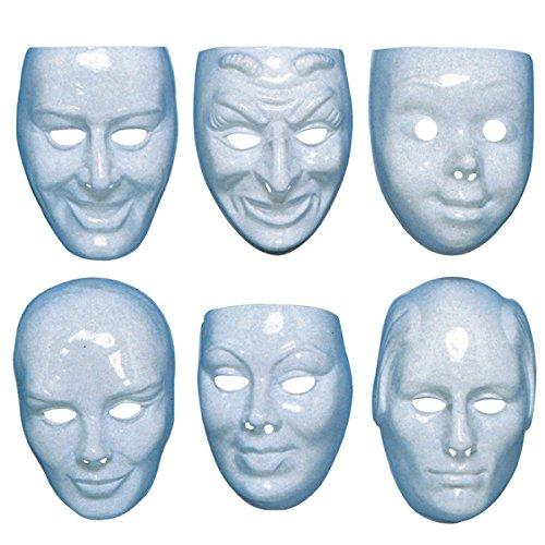 Máscaras de plástico blancas con diferentes expresiones