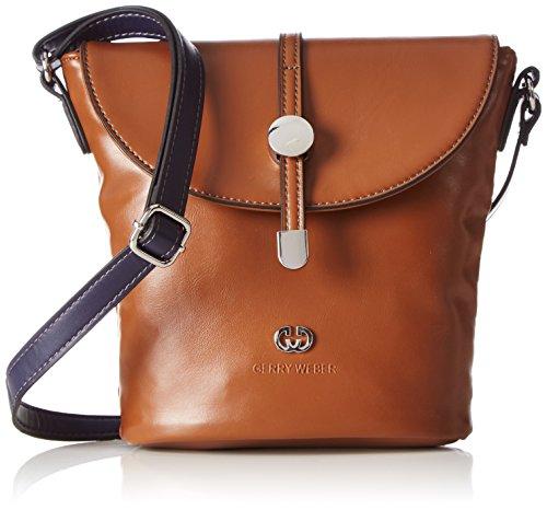 Gerry Weber Damen Take Time Flap Bag V, M Clutches, Beige (703), 17x22x10 cm