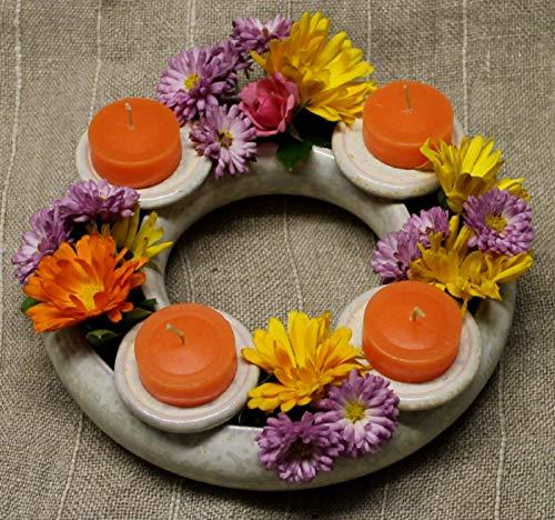 Blumenring mit Kerzenhaltern - Deko fürs ganze Jahr