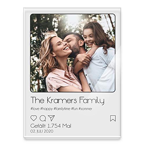 Wandbild aus Acrylglas mit eigenem Foto im Instagram Design | mit individuellem Text und Hashtags Geschenkidee für Partner Freund Familie | Moderne Wanddeko.