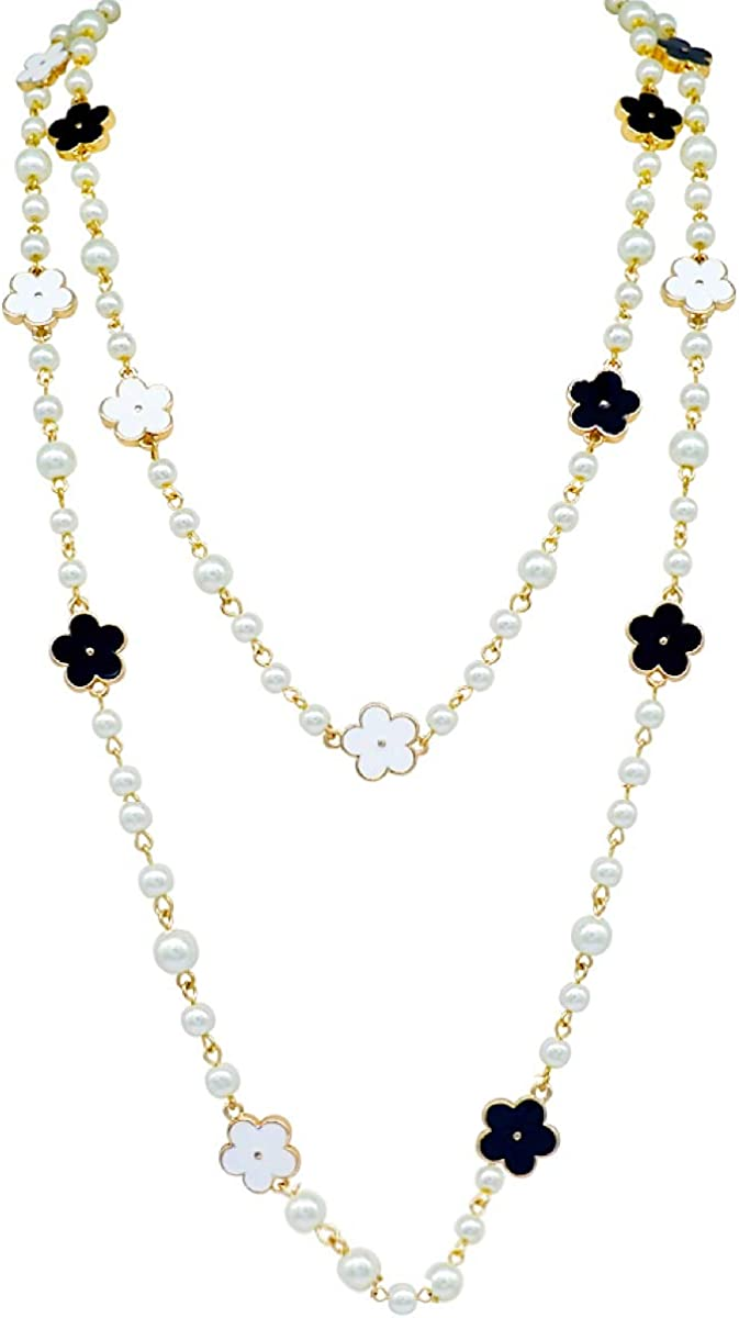 Fashion Jewelry Designer Bridal and Chic Long Imitation Pearl Clover Flower Strand Necklace for Women