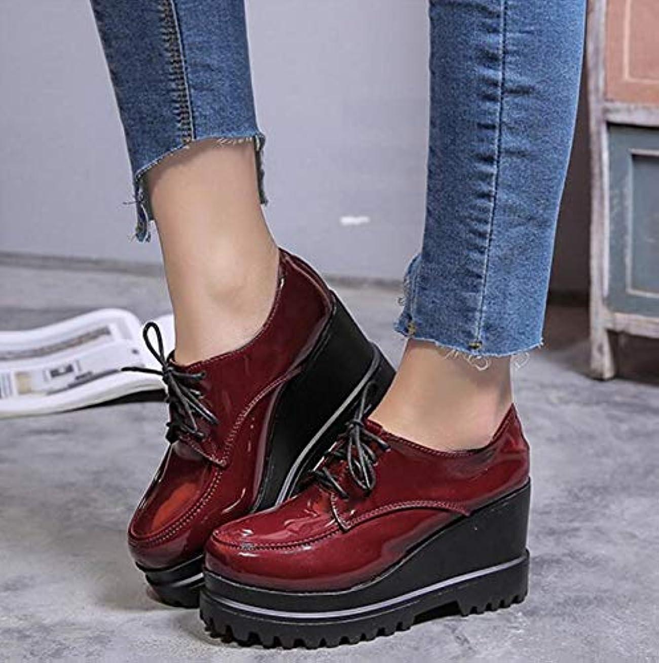ピンチインチささいなデザートシューズ 2018春夏 レディース プラットフォーム 厚底靴 アーモンドトゥ靴 エナメル靴 カレッジ風