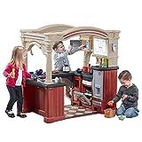 Step2 Grand Walk-In Kitchen Spielküche / Restaurant | Spielzeugküche für Kinder mit 103 teiligem Zubehör Set inkl. u.a. Geschirr & Töpfe | Kinderküche aus Kunststoff / Plastik