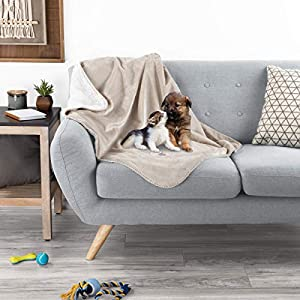 PETMAKER Waterproof Pet Blanket – 40inx30in Plush Lap Throw Protects Couch, Chairs, Car, Bed from Spills, Stains, or Pet Fur-Machine Washable (Tan)