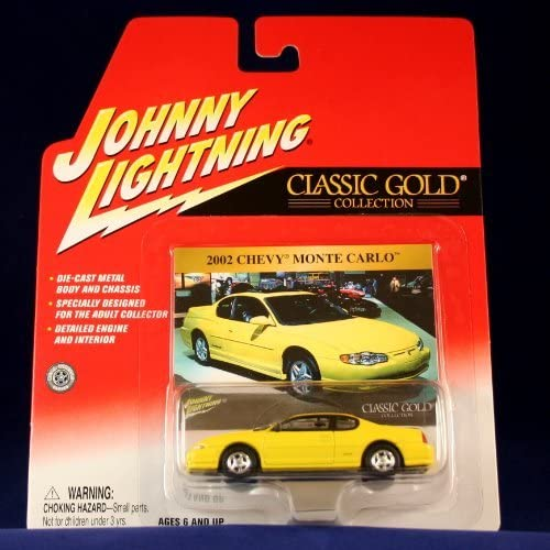 2002 CHEVY MONTE CARLO  Gelb  Johnny Lightning 2002 CLASSIC Gold 2 COLLECTION  Release 15  1 64 Scale Die Cast Vehicle by Johnny Lightning