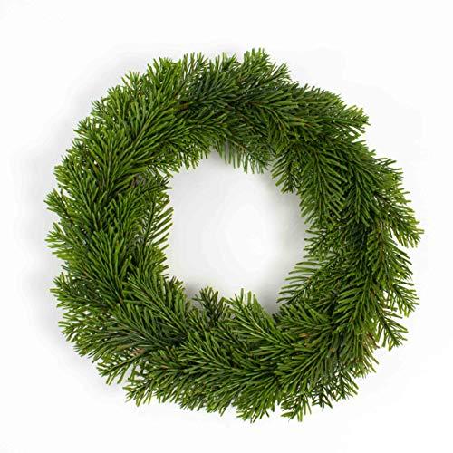 artplants.de Couronne de Sapin Nordmann Artificiel, Socle en rotin, Ø 40cm - Couronne de Noël - Couronne de Sapin