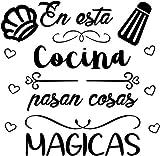 CrisPhy® Frase Vinilo'En esta cocina pasan cosas magicas' Vinilos decorativos, Pegatina frases...