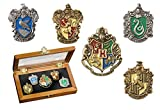 Hogwarts House Pin - Five Pin in vetrina. Harry Potter Noble...