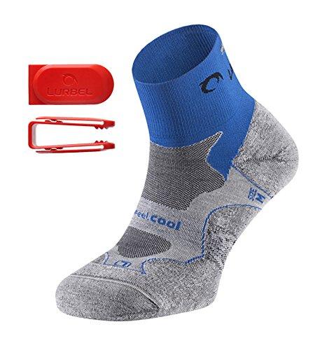 Lurbel DISTANCE kurze Premium Laufsocken / Sportsocken, antibakteriell, atmungsaktiv, mit Polsterung und Blasenschutz, Damen & Herren (blau/grau 43-46)