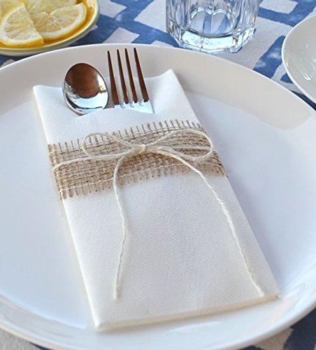 Deko Angels 12 Stück (1,15€/Stück) Besteckservietten Weiss mit Juteband Natur und Schleife aus Jute Kordel - Hochzeitsservietten Servietten Stoffähnlich Premium Einweg Bestecktaschen Landhaus