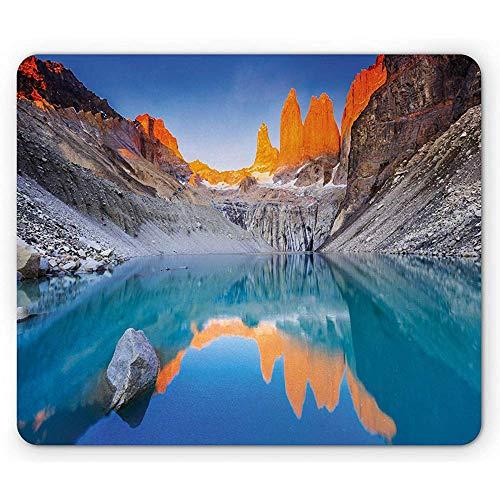 Kleurrijke muismat, reflectie van kliffen op het meer bij Torres Del Paine National Park Image, rechthoek anti-slip rubberen muismat