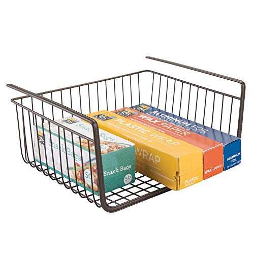 mDesign Cestino da Appendere - Cestello in Metallo per Scaffali - Da usare come Cesto Contenitore multiuso per Cucina o Dispensa - Bronzo