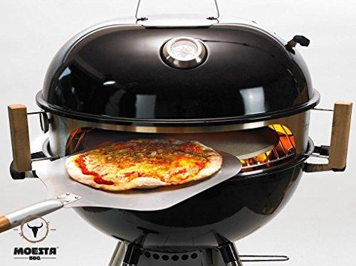 Moesta-BBQ 10062 Smokin' PizzaRing – Perfekte Pizza vom Kugelgrill - Für Grills mit 57 cm Durchmesser – mit Thermometer