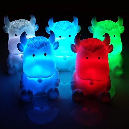 ACHICOO - Lámpara de Escritorio con diseño de Vaca de Dibujos Animados, luz Nocturna LED, 7 Cambios de Color, Funciona con Pilas, Luces Multicolor, Juguete para niños, Regalo Divertido para niños