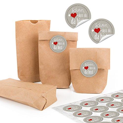24 kleine braune Papiertüten natur Kraftpapier 9 x 15 x 3,5 cm + 24 runde SCHÖN DASS DU DA BIST grau weiß rot silber HERZ rot Aufkleber Verpackung mini-Tüte Geschenk