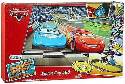 Disney Cars - Piston Cup 500 und 2 Fahrzeuge